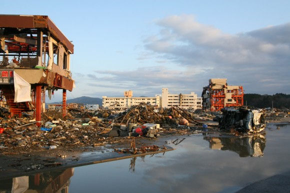 Autour de l'hopital, après le Tsunami